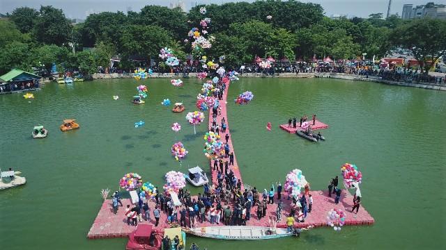 Pemerintah Kota Administrasi Jakarta Utara Semarak Hut 5 500 Balon