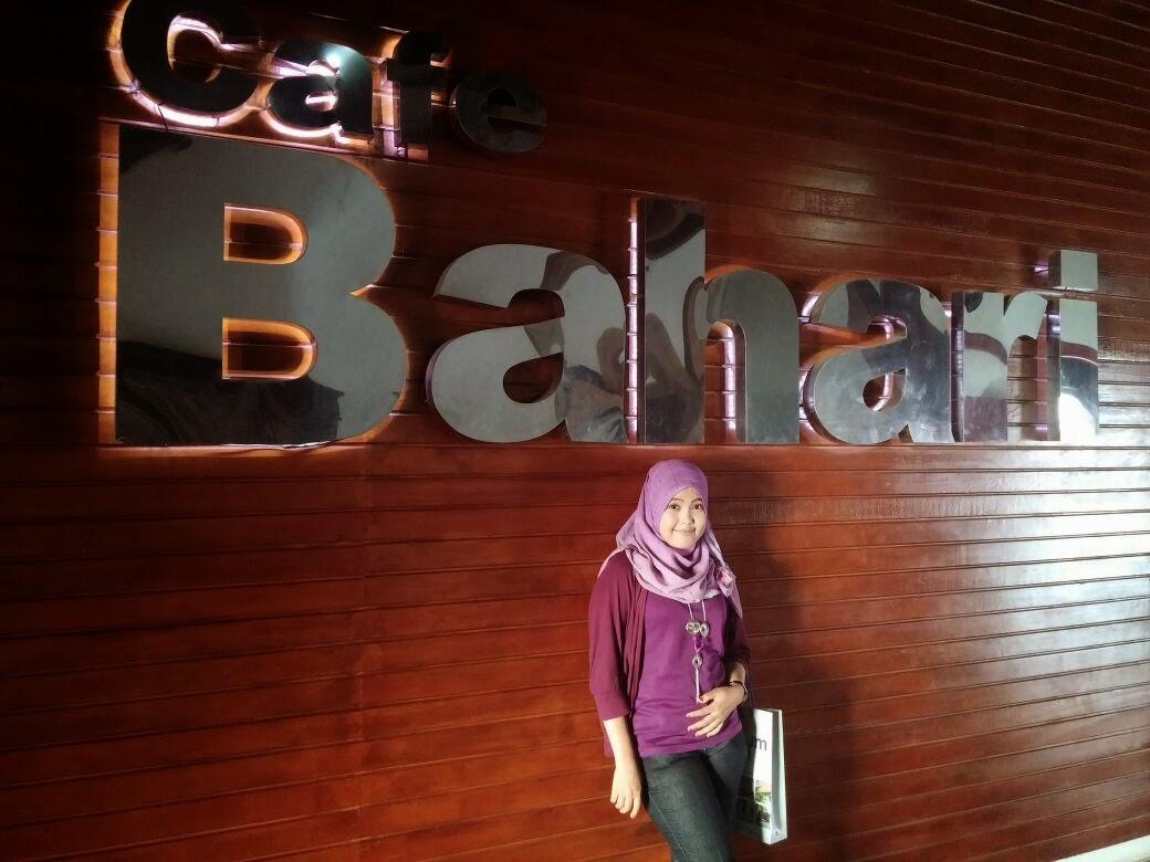 Desi Saraswati Selamat Datang Blo Waktu Mengunjungi Museum Bahari Yg