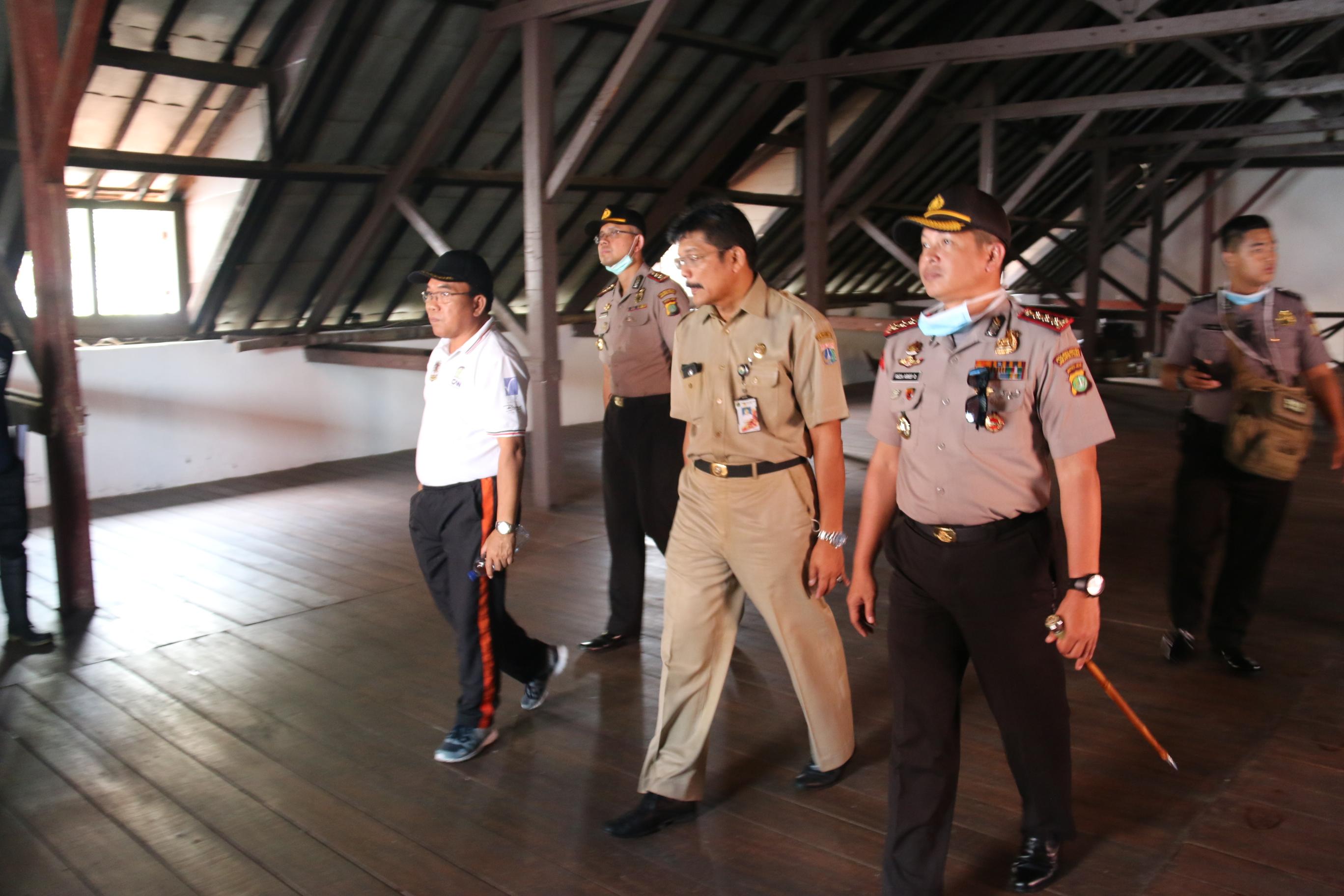 Pemerintah Kota Administrasi Jakarta Utara Walikota Bersama Kapolres Metro Menyusuri