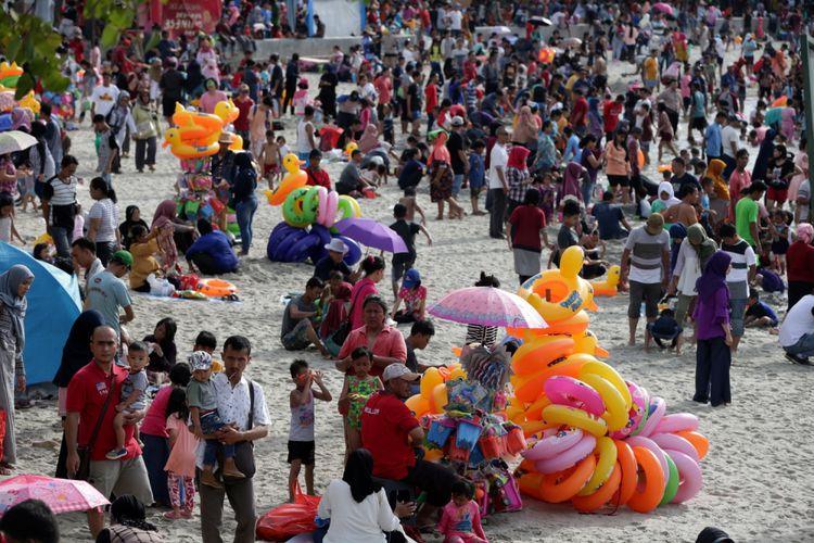 Masuk Ancol Tolong Dipermurah Bali Aja Pantainya Gratis Pengunjung Memanfaatkan