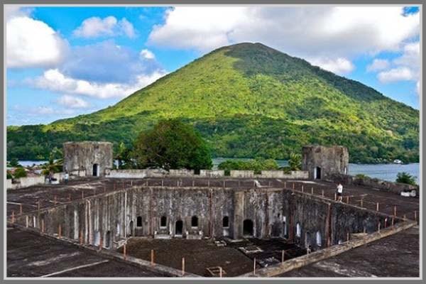 Dua Benteng Bersejarah Maluku Ambon Motivasinews Victoria Kota