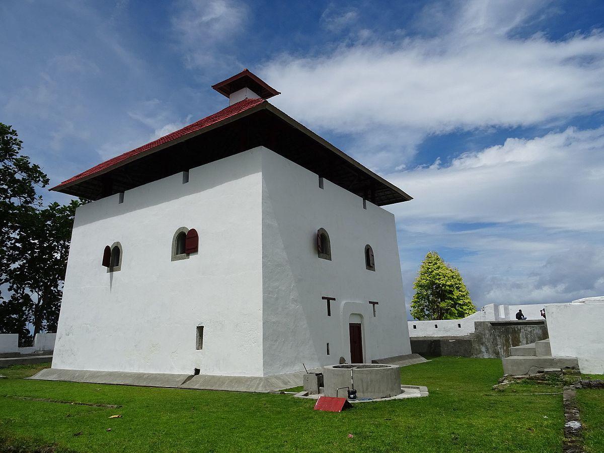 Fort Amsterdam Ambon Wikipedia Benteng Victoria Kota