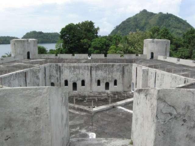 Ianmc95 Wisata Maluku Setiap Sisi Benteng Terdapat Sebuah Menara Menuju