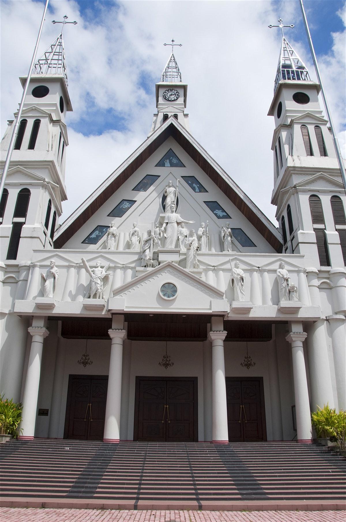 Kota Ambon Travel Lonely Planet Benteng Victoria