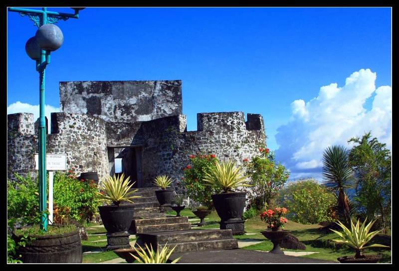 Tempat Wisata Maluku Utara Adhysavala Benteng Santo Lukas Victoria Kota