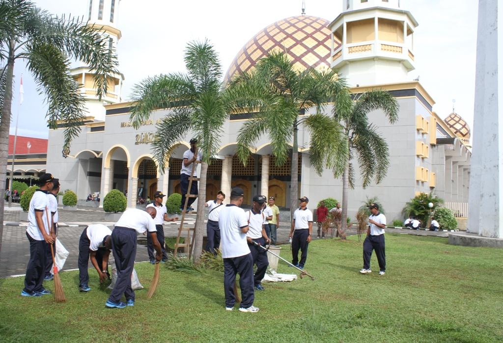 Jelang Ramadhan Lantamal Ix Laksanakan Pembersihan Masjid Raya Al Rabu