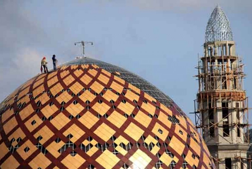 Jokowi Berkurban Masjid Alfatah Ambon Republika Online Raya Al Fatah