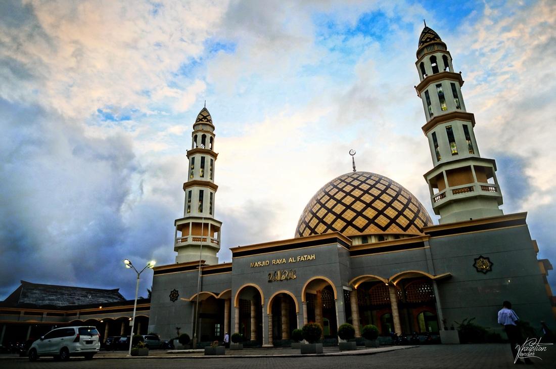 Masjid Raya Al Fatah Indonesia View Kota Ambon Amboina Buildings