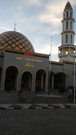 Masjid Raya Al Fatah Picture Great Mosque Ambon Kota