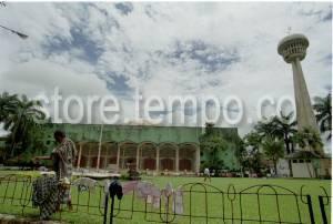 Masjid Raya Al Fatah Terbesar Termegah Kota Ambon Sebelum Dipugar