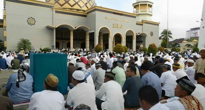 Ribuan Umat Muslim Ambon Laksanakan Sholat Idul Adha 1437 Indonesiabangkit