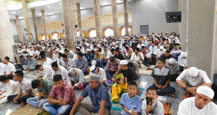 Ribuan Umat Muslim Ambon Laksanakan Sholat Idul Adha 1437 Kapasitas