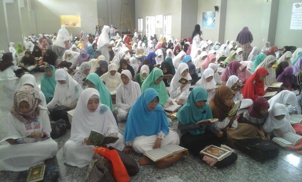 Sehari Bersama Al Quran Masjid Fatah Ambon Serambi Maluku Ribuan