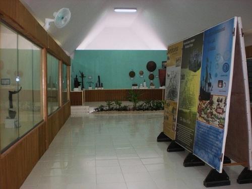 Ambon Amazing Beach City Horseshoes Island Siwa Lima Museum Kota