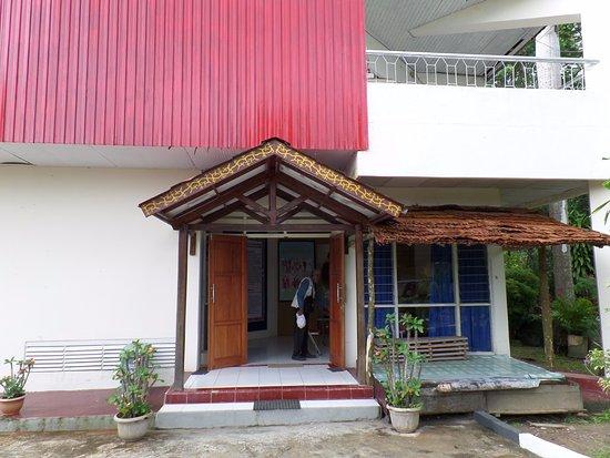 Entree Van Het Cultuurmuseum Maluku Siwa Lima Bovenop De Berg