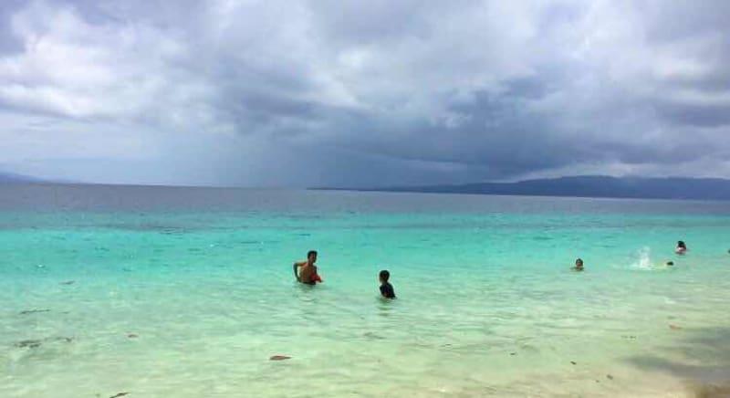 Backpacker Ambon Hemat Pantai Natsepa Kumparan Rujak 15 000 Rupiah