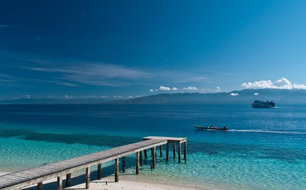 Liang Beach Ambon Moluccas Maluku Tourism Visitors Crown Pulau Bali