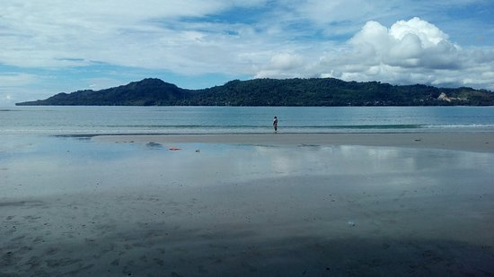 Menyusuri Pantai Natsepa Ambon Picture Beach Kota