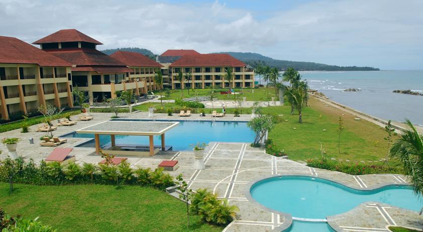 Natsepa Resort Conference Center Hotelroomsearch Net Pantai Kota Ambon
