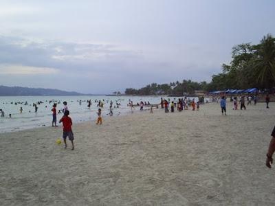 Pantai Natsepa World Tourism Indonesia Bermain Kita Bisa Menyewa Perahu