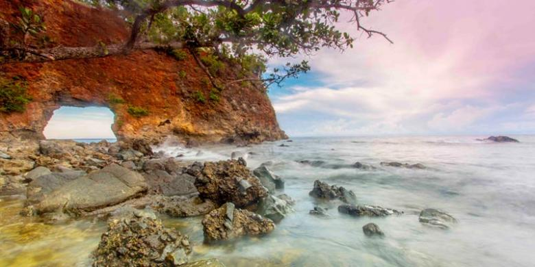 Pesona Kota Seribu Pantai Ambon Indonesian Heritage Natsepa