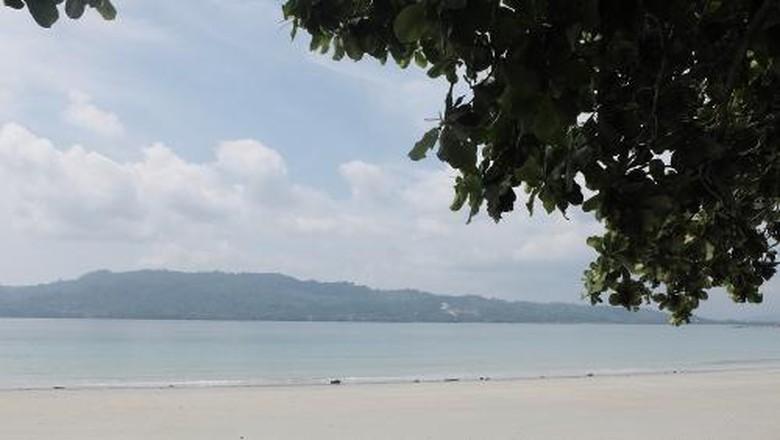 Terpesona Cantiknya Pantai Natsepa Ambon Manise Afif Detiktravel Kota