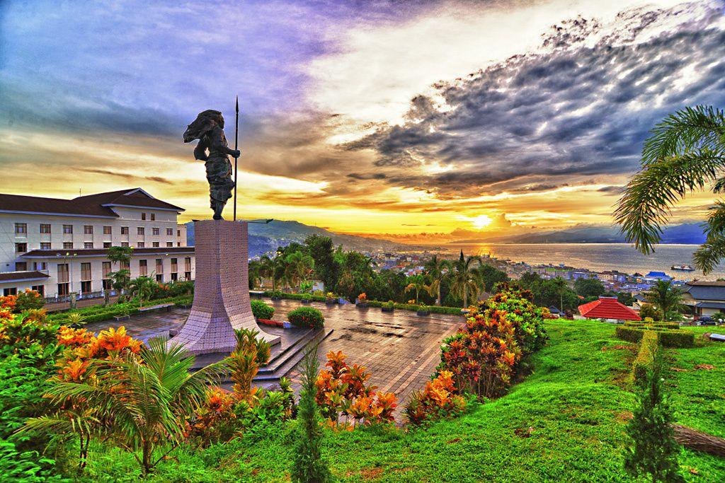 Monumen Martha Christina Tiahahu Kota Ambon Maluku Kabupaten Taman Pattimura