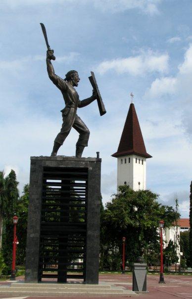Monumen Pattimura Maluku Iklan Taman Kota Ambon