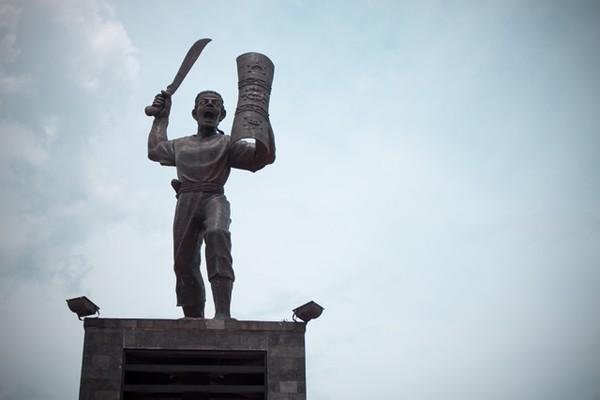 Pattimura Gagah Berdiri Pusat Kota Ambon Monumen Kapitan Tengah Taman
