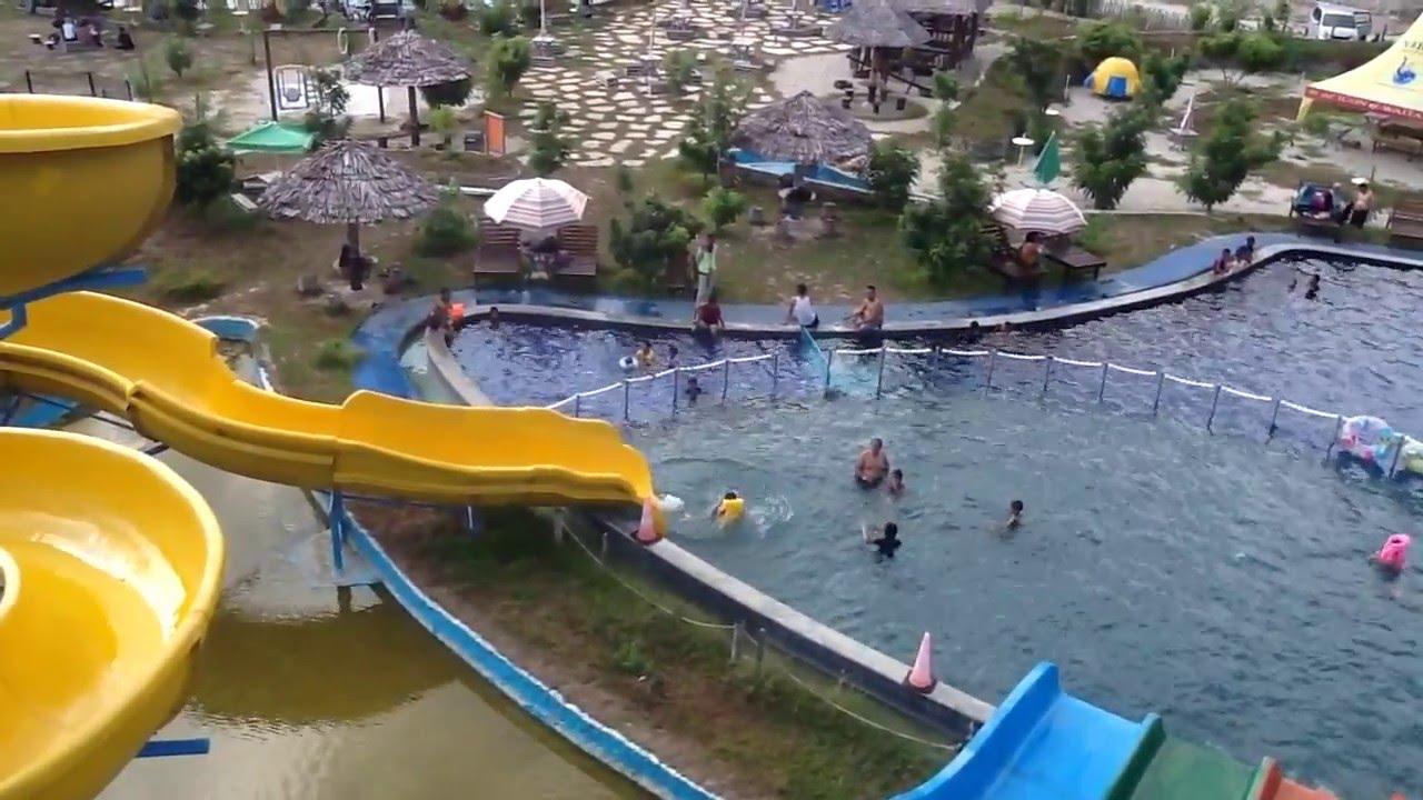 Teknik Meluncur Spiral Slide Gaya Duduk Konvensional Waterbum Waitatiri Ambooon