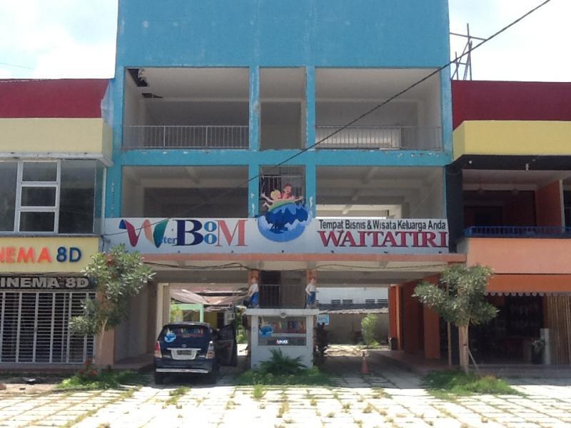Waterboom Waitatiri Ambon Indonesia Kota