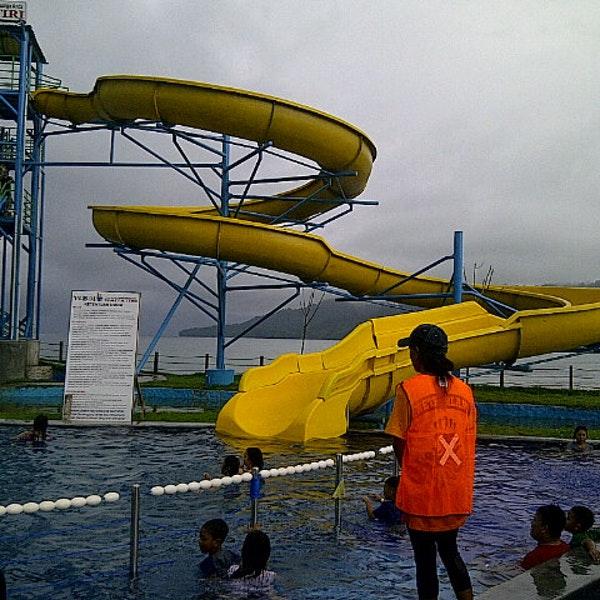 Waterboom Waitatiri Ambon Kota