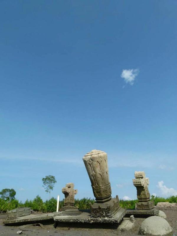 Makam Tua Terbengkalai Kampung Pande Aceh Img 20130102162033 50e3fbe10f723 Jpeg
