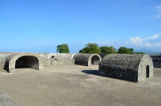 Benteng Indra Patra Hiroe Satoh Berjarak19 Km Kearah Barat Ibu