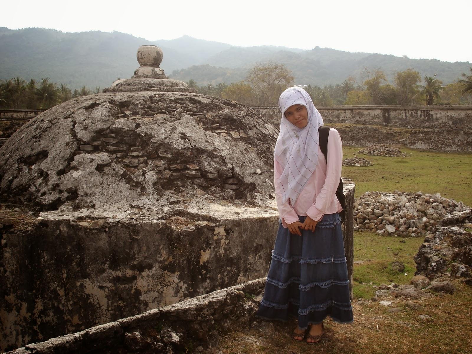 Lamuri Situs Sejarah Nyaris Mati Oleh Fardelyn Hacky Sendiri Menjajaki