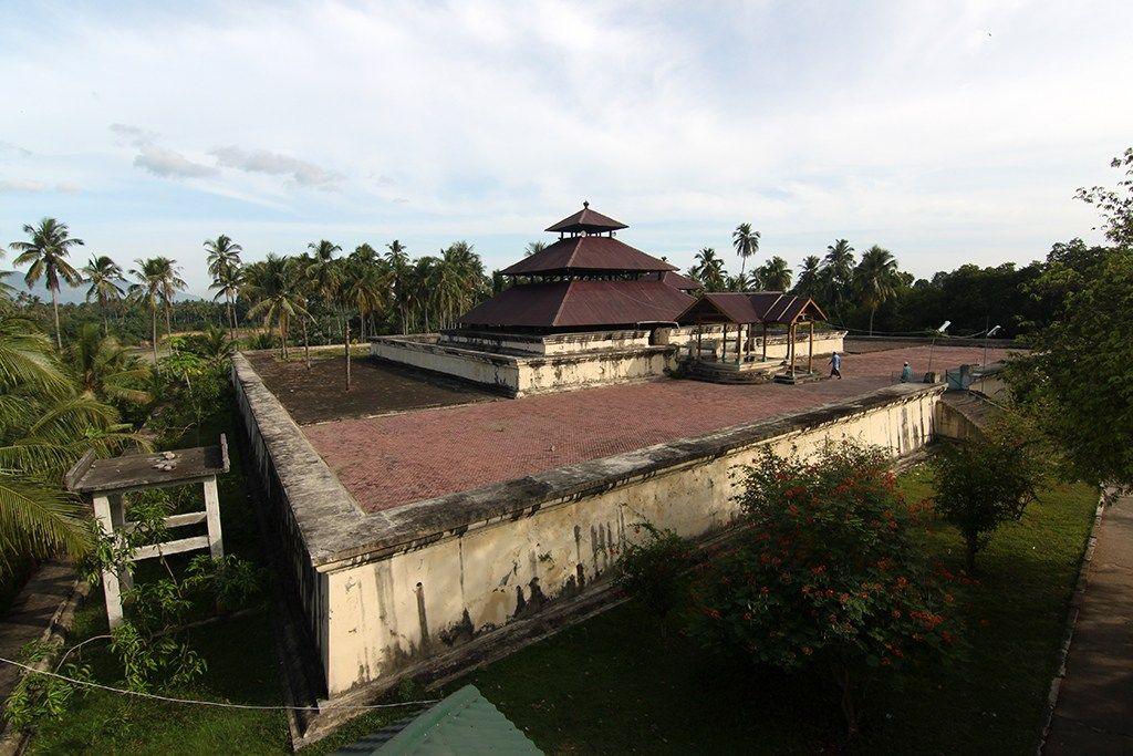 Masjid Tuha Indrapuri Aceh Bangunan Unik Atas Candi Benteng Indrapatra