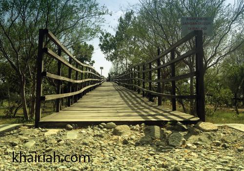 Aceh Hutan Kota Bni Miniatur Hujan Tropis Banda Jembatan Tajuk