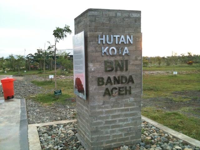 Hutan Kota Bni Badruddin Blog 18 Mei 2011 20110518 091617