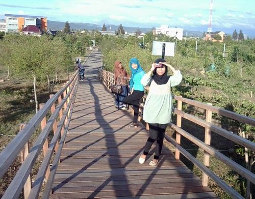 Hutan Kota Bni Banda Aceh Disediakan Jalan Setapak Bagi Pengunjung