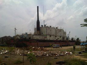 Apung Kapal 2 600 Ton Parkir Tengah Kota Banda Aceh