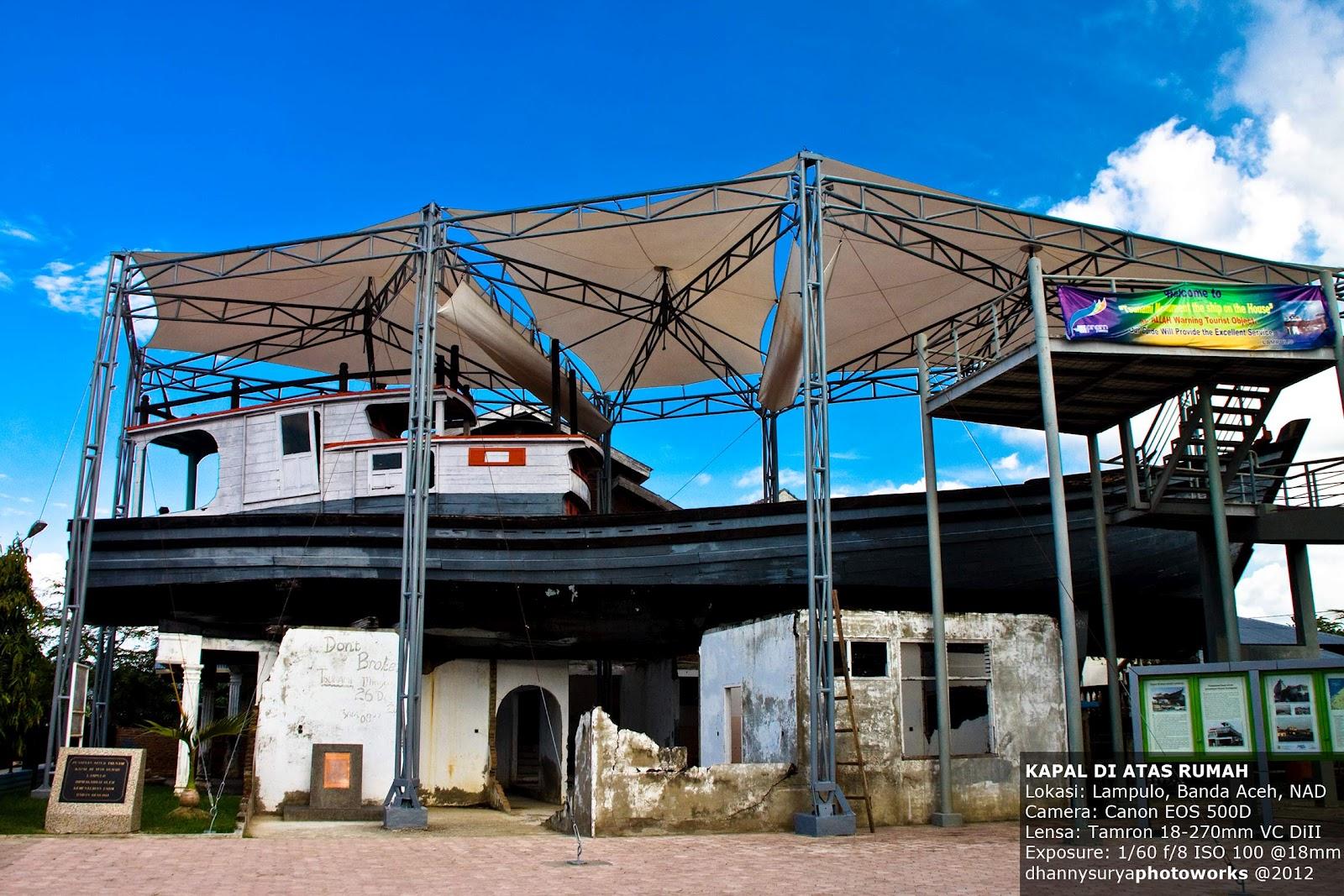 Kapal Ikan Boat Tersangkut Aceh Awesome Indonesia Tsunami Kota Banda