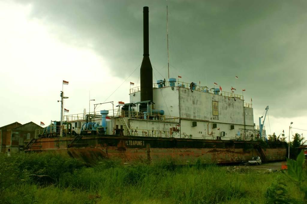 Kisah Fenomena Salah Satu Kapal Terkena Tsunami Menjadi Tempat Sumber