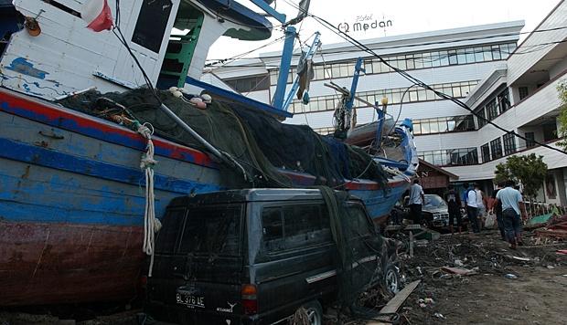 Mengenang Tsunami Nelayan Aceh Libur Melaut Nasional Tempo Kapal Terdampar