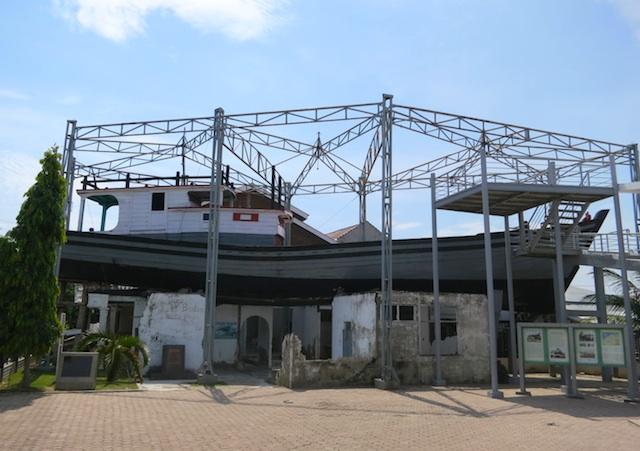 Napak Tilas Jejak Tsunami Banda Aceh Travelon Wego Indonesia Kapal