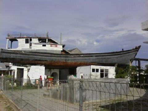 Petualang Wisata Kota Banda Aceh Kapal Tsunami