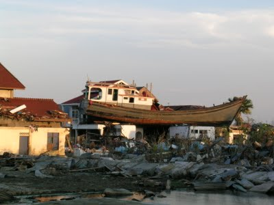 Pt Sardifa Tours Travel Wisata Aceh Kapal Diatas Rumah Lampulo