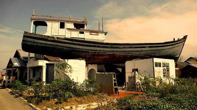 Tragedi Tsunami Aceh Hebat Dunia Abad 21 Oleh Kapal Kota