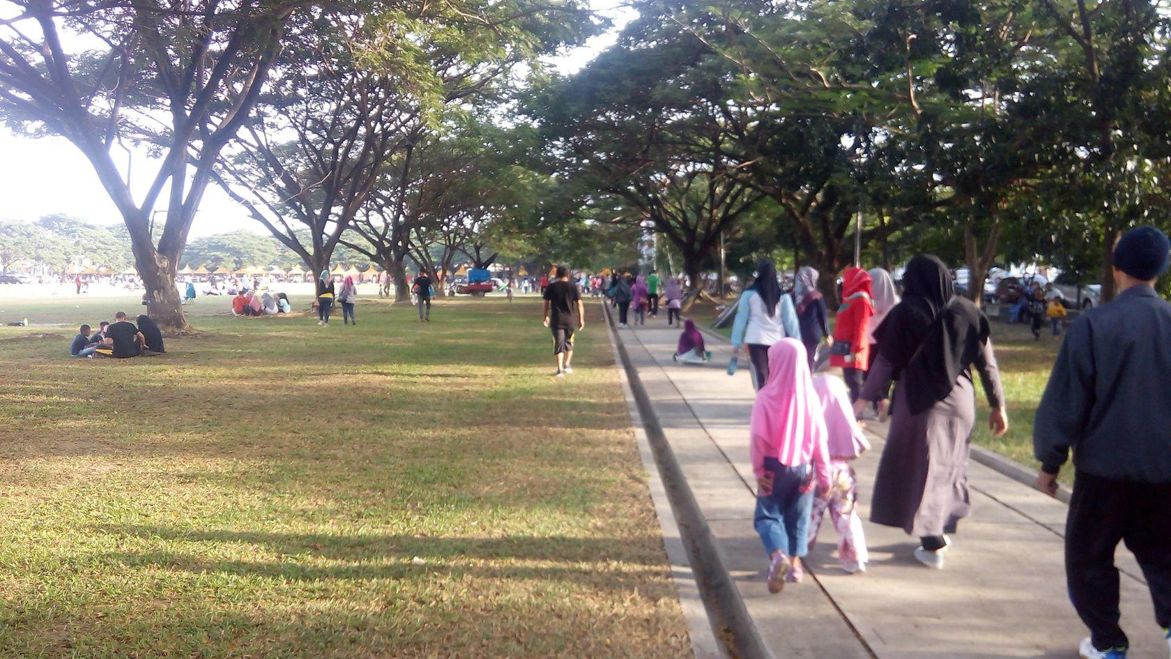 6 Hal Menarik Dilakukan Lapangan Blang Padang Banda Aceh Dilengkapi