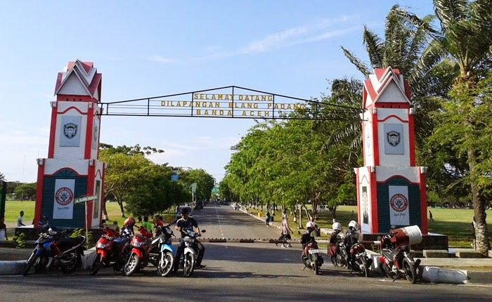 Bawah Langit Lapangan Blang Padang Wisata 3in1 Banda Aceh Kota