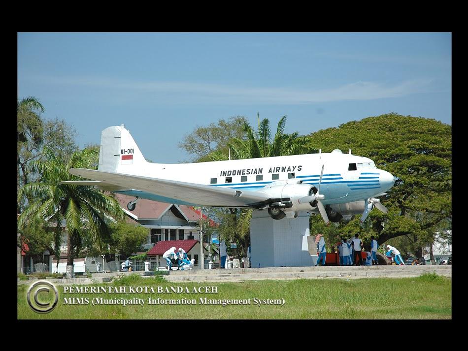 Berfikir Berjiwa Besar Replika Pesawat Seulawah Ri 1 Blang Padang